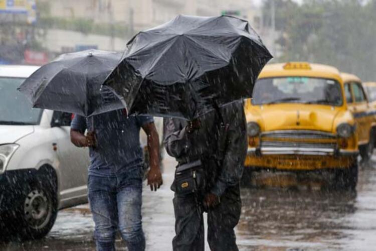 Kasırganın tehlike seviyesi, 4ten 10a yükseltildi