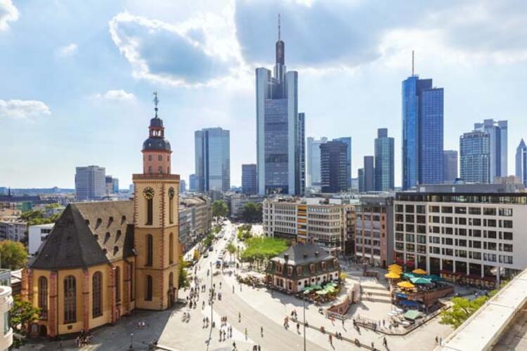 7. Frankfurt, Almanya