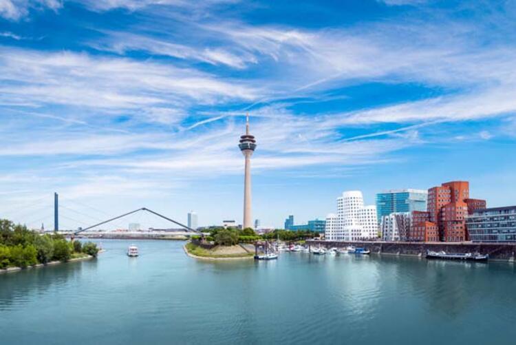6. Düsseldorf, Almanya