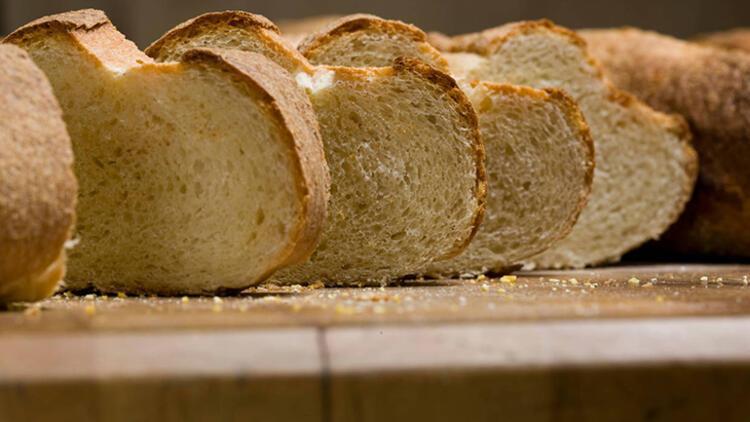Doğal görünsün diye ekmeği boyuyorlar
