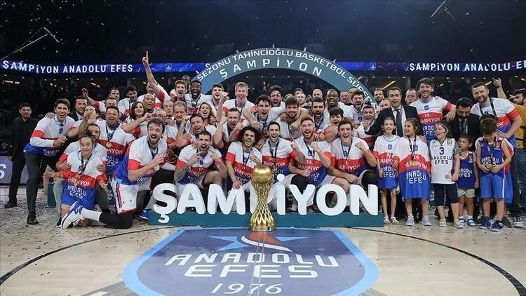 Anadolu Efes 14. kez şampiyon