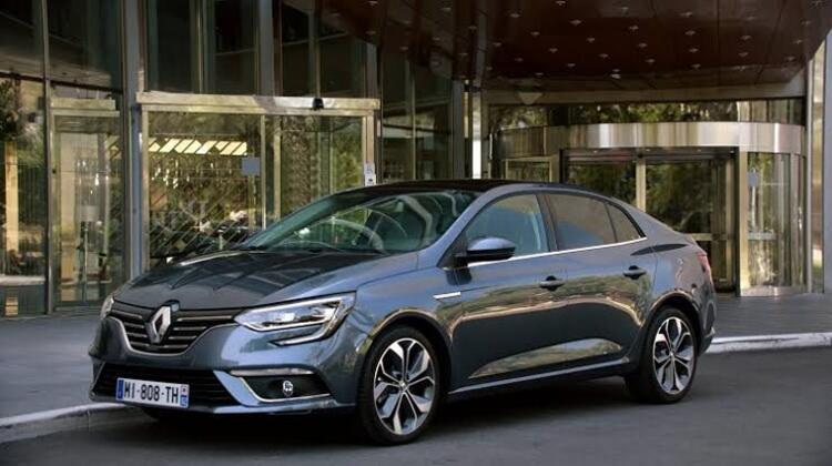 3- Renault Megane