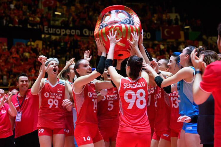 FOCUS (ALMANYA): Olimpiyat hayal oldu Voleybolcular finalde Türkiye'ye yenildi
