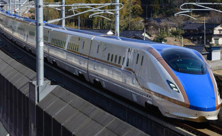 Hokuriko Shinkansen E7