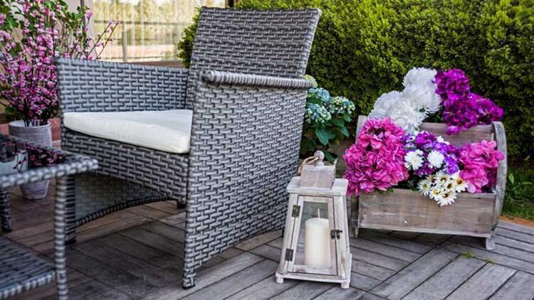 Soğuk ve yağmurlu havalarda dış mekan mobilyalarınızı kaldırın
