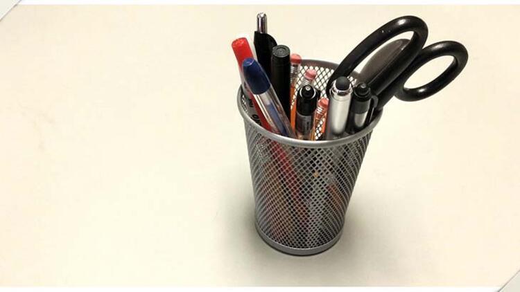Masa üzeri kalemlik ya da rölyefli masa organizatörleri