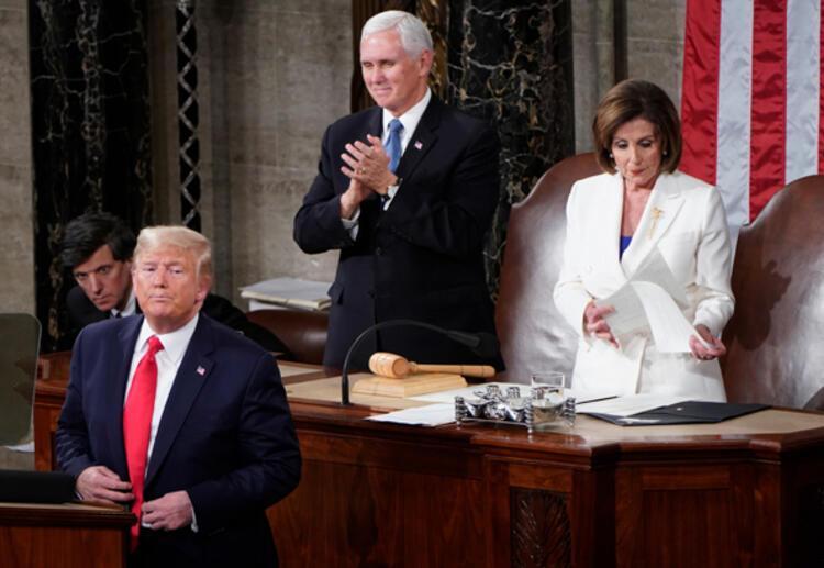 Pelosi, Trumpın konuşma metnini yırtıp attı
