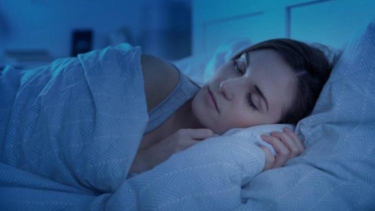 Her gün aynı saatte uyumaya özen gösterin