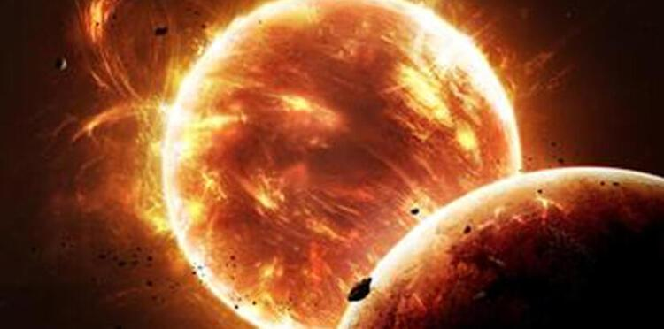 Güneşin yörüngesinde üçgen şeklinde UFO görüldü
