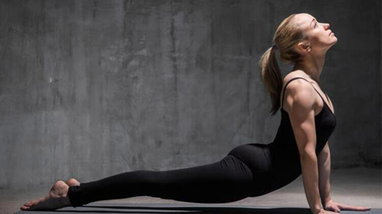 Yoga blokları yerine yastık kullanın
