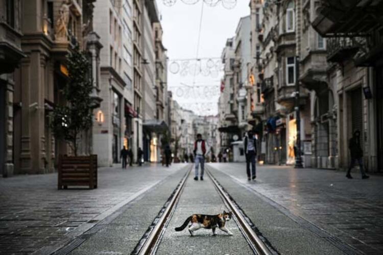 İstiklal Caddesi bomboş kaldı - Tatil Seyahat Haberleri