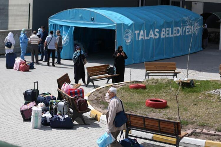 Eskişehir'de karantina süreleri dolanlar yurttan ayrılıyor