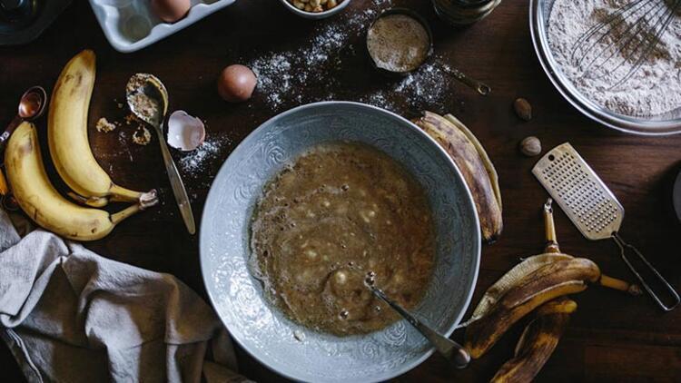 Kararan muzla banana bread (Muzlu ekmek) yapın