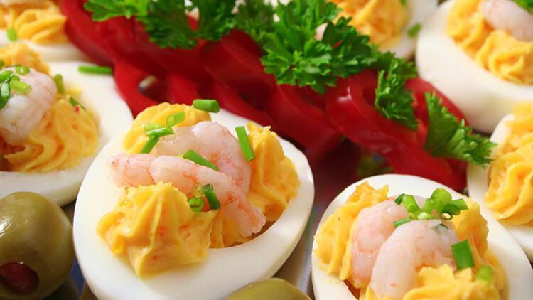Akşam yemeği için farklı başlangıçlar: Karidesli yumurta