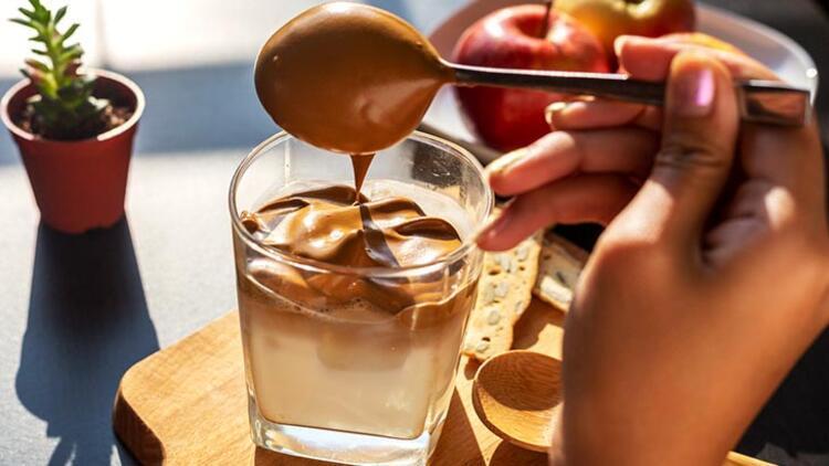 Dalgona kahve nasıl yapılır