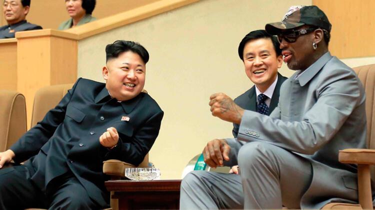 Sözü Kim Jong Una getirip, onu övüyordu