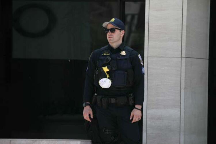 Minneapoliste protestoların dördüncü gününde önlemler artırıldı