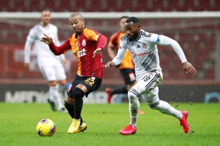 Galatasaray - Kendi göbeğini kendi kesecek