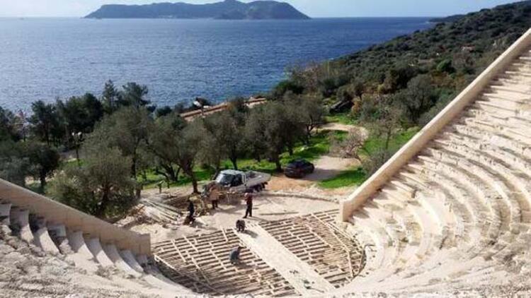Antiphellos Antik Tiyatrosu