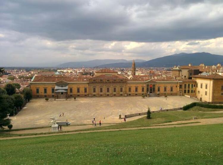 4- Pitti Sarayı