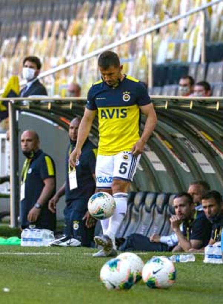 Emre Belözoğlu giriyor, Fenerbahçe kazanıyor