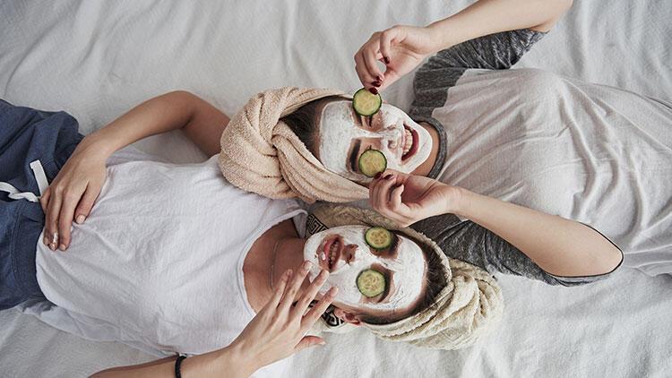 Yüz maskesi kullanma