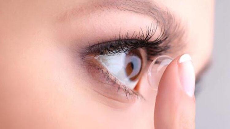 Lens kullanılması zorunlu durumlarda tek kullanımlık lensler tercih edilmeli
