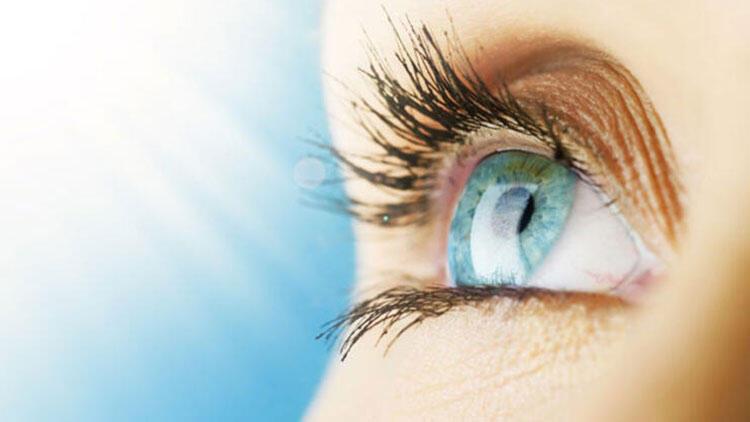Sert, gaz geçirgen kontakt lensler yüzerken kullanılmamalı