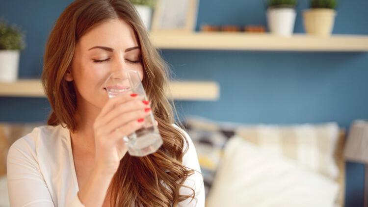 8-Her yemeğe bir bardak su ile başlayın