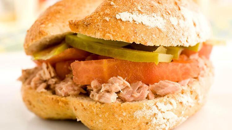Ton balıklı sandviç için malzemeler: