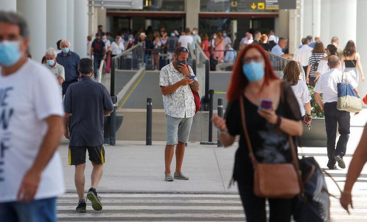 İspanya AB dışı 12 ülkeye yarın sınırlarını açıyor