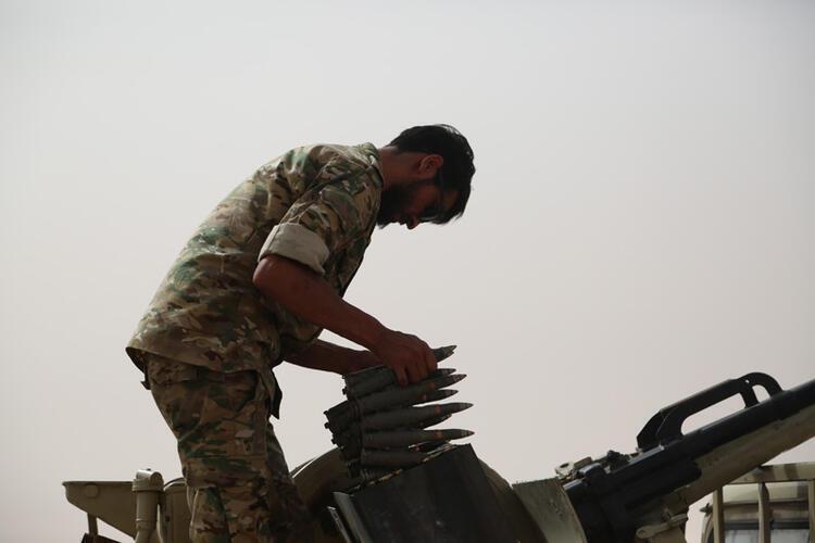 Esad rejimi saflarından Suriyeli paralı askerlerin sayısı artıyor