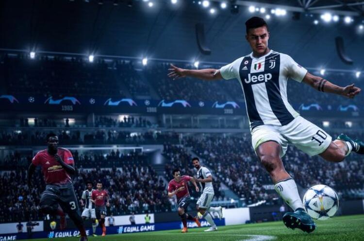 FIFA 21 Şampiyonlar Sürümü: 597 TL (EA Access üyeleri için 537,30 TL)