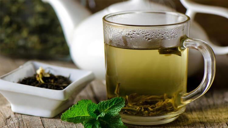 Limonlu soğuk yeşil çay