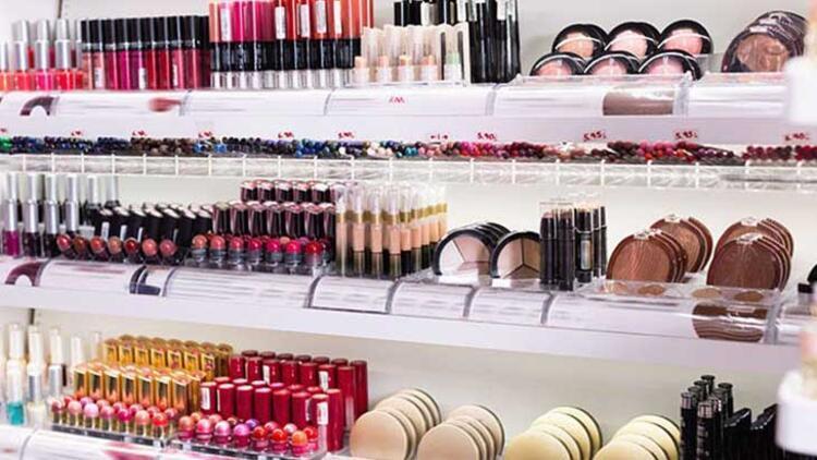 Kozmetik ürün kullanımında en sık gözlenen yan etki kontakt dermatit