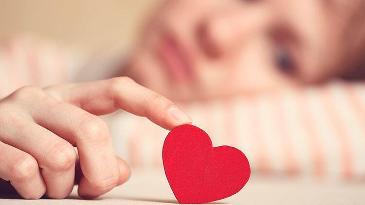 """Kıskançlık """"çok sevmekten"""" kaynaklanmaz"""