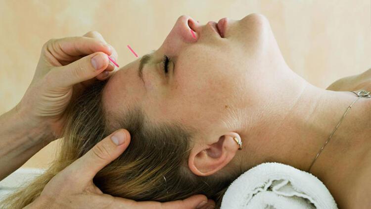 Akupunkturda vücuda bir şey enjekte ediliyor mu