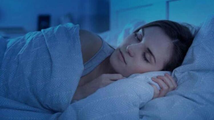 Yanlış uyku pozisyonları omurgayı nasıl etkiliyor