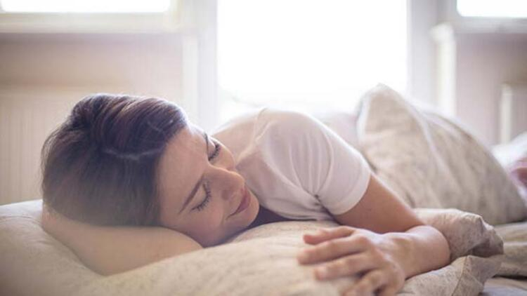 Doğru uyku pozisyonları nelerdir