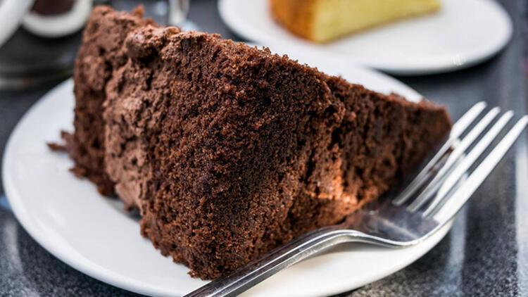 7-Eritilmiş dondurma kullanarak çikolatalı kek yapın