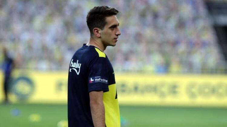 Fenerbahçe sadece yetiştirme bedeli kazanacak2013 yılından bu yana Fenerbahçe alt yapısında forma giyen Ömer Faruk Beyaz geleceğin büyük yıldızları arasında gösteriliyor. Genç oyuncu ayrıca 36 kez de Ümit Milli olmak üzere diğer yaş gruplarında Milli Takım forması giydi.
