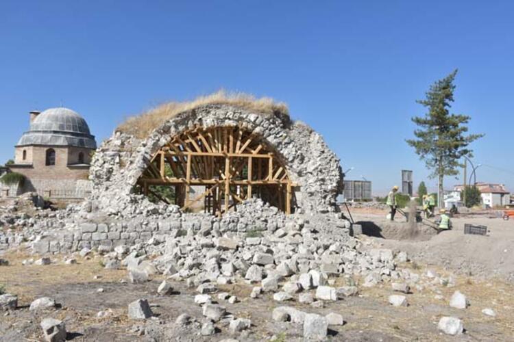 Kazılarda çeşitli materyaller bulundu