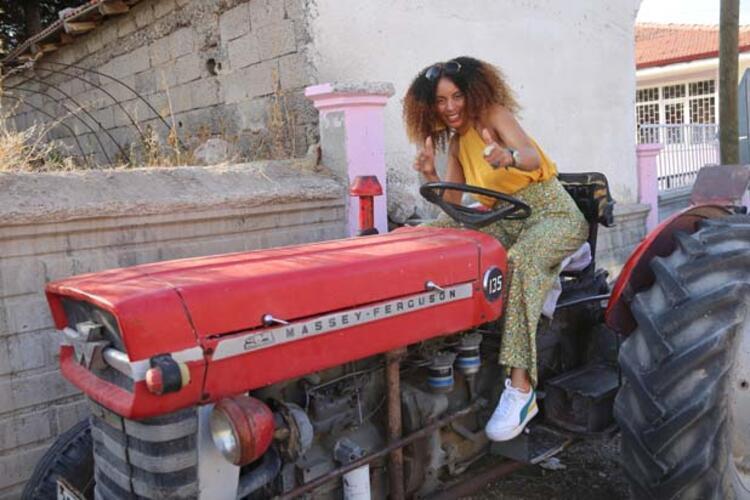 Köyde yaşayan kadınlar çok çalışıyor