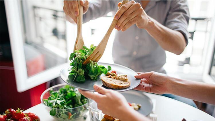 1-Sağlıklı ve dengeli beslenin