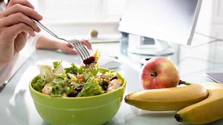Sağlıksız beslenmek ve abur cubur tüketmek