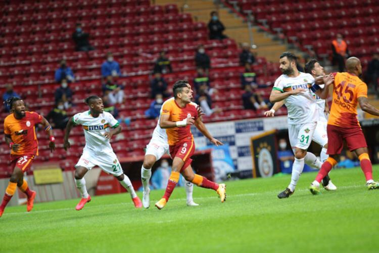 Galatasaray, 45 dakika 1 kişi eksik oynadı