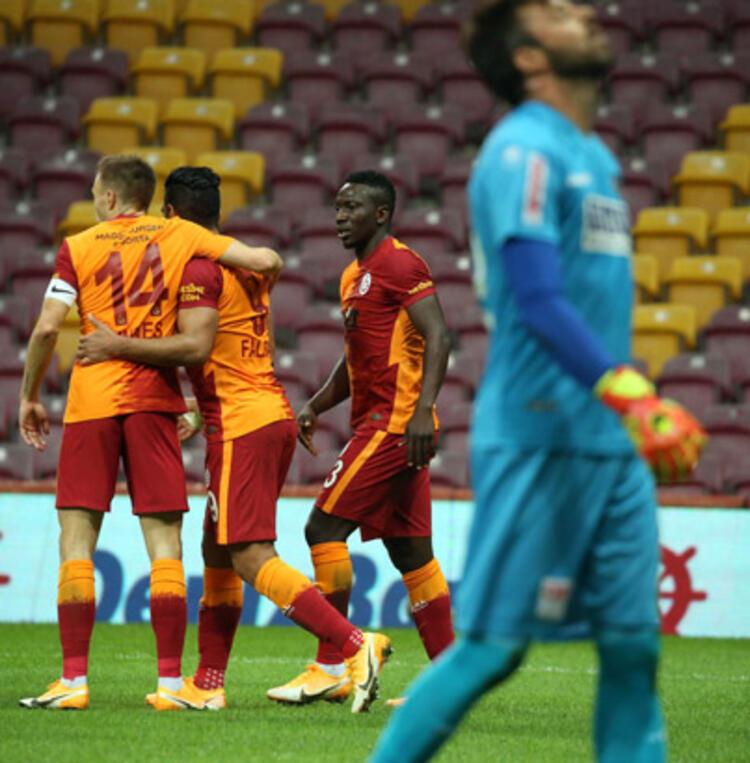 Galatasarayın golü VARa takıldı