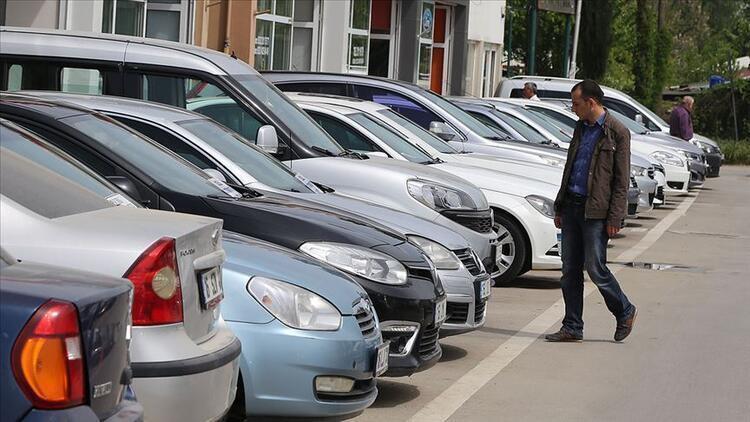 Otomotiv pazarı 800 bin adet bandına koşuyor