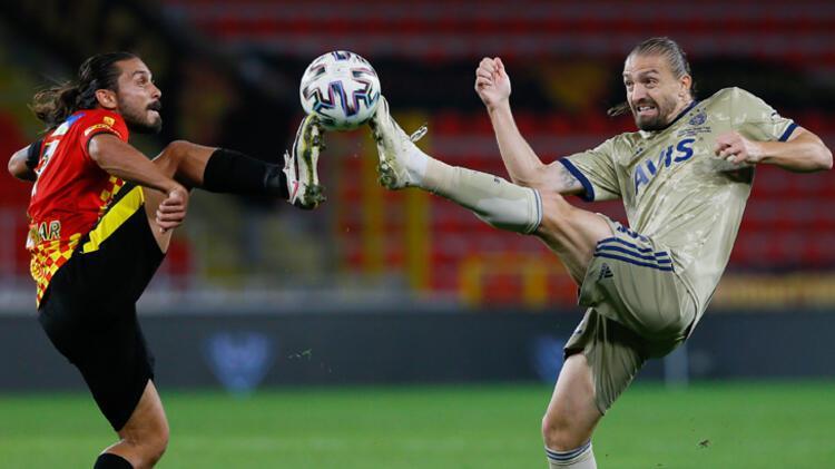 Maç sonunda sosyal medyada Caner Erkine övgü dolu sözler vardı: