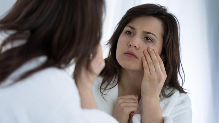 3- Ölü hücreleri cildinizden uzaklaştırın